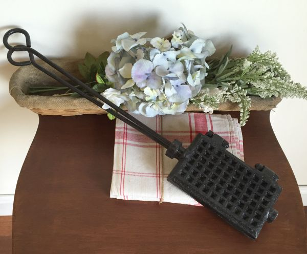 Antique French Cast Iron Gaufrier Waffle Iron - h136c View2