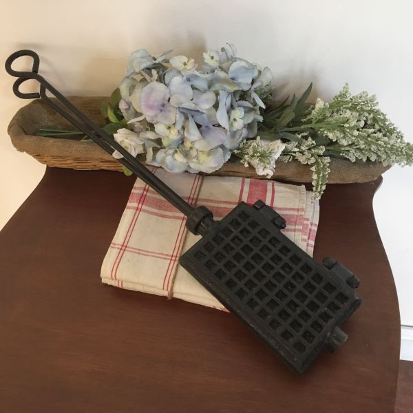 Antique French Cast Iron Gaufrier Waffle Iron - h136c View3