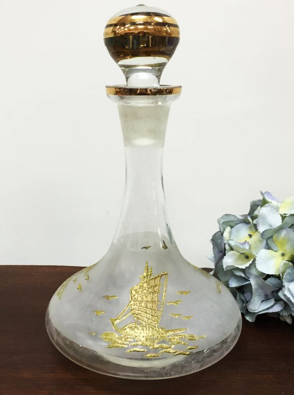 Vintage Gold Embossed Ship's Decanter Wine or Port decanter View2
