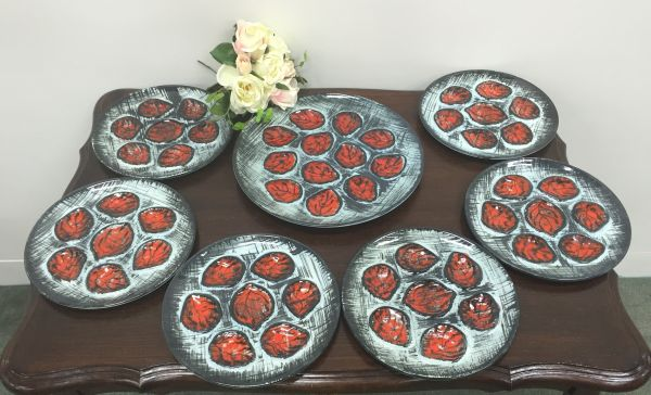 French Vintage Retro Pornic Master and 6 Individual Oyster Plates - b519b Main